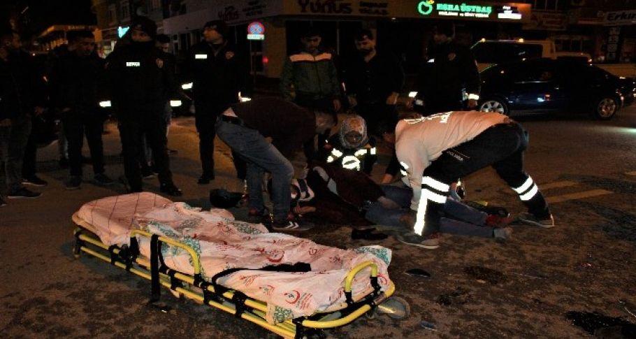 Motosiklet otomobil ile çarpıştı... 1 yaralı