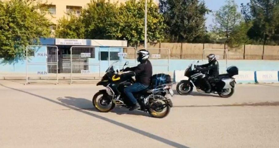 Motosiklet tutkunları Şanlıurfa'nın Suriye sınırında