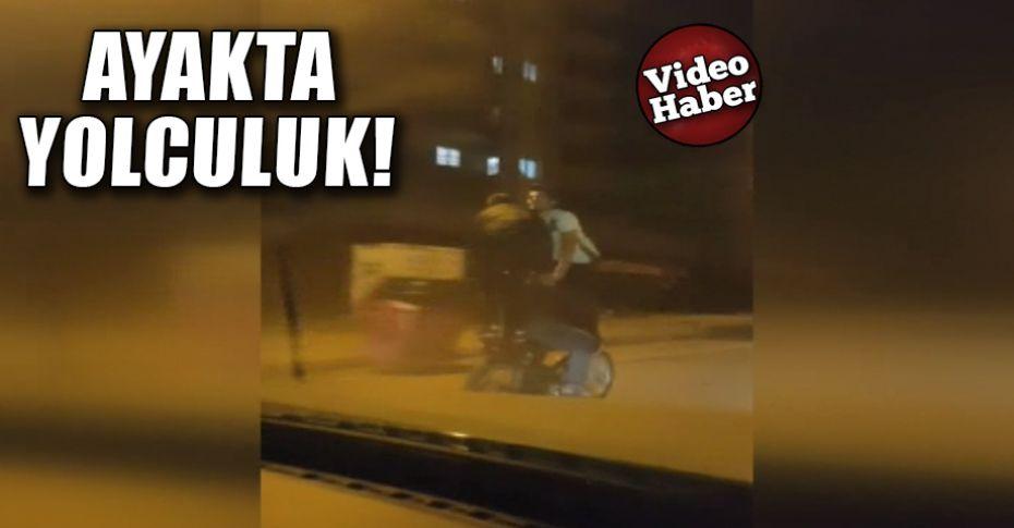 Motosikletli gençlerin tehlikeli yolculuğu pes dedirtti!