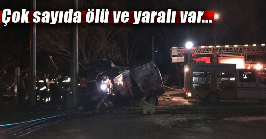 Mültecileri taşıyan minibüs kaza yaptı!