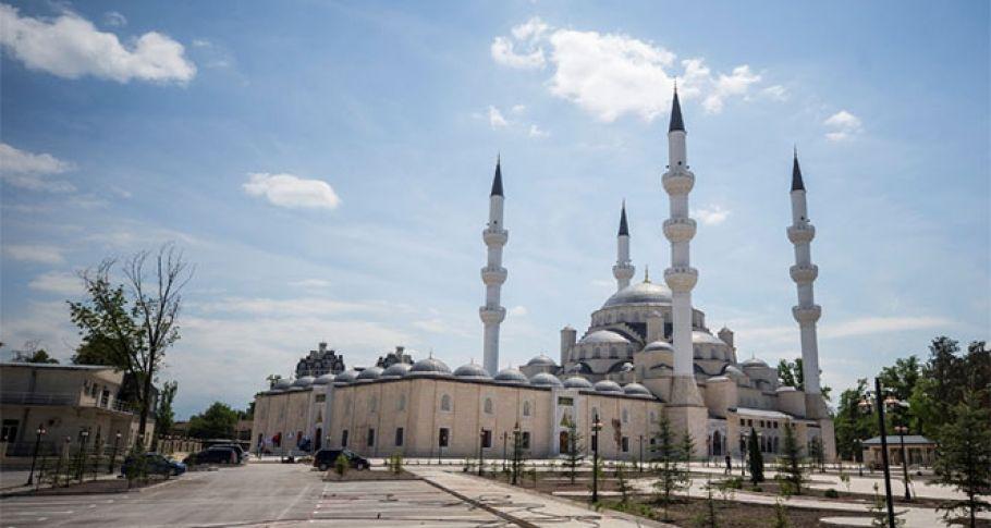Orta Asya'nın en büyük camisini Erdoğan ibadete açacak