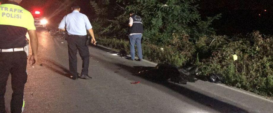 Otomobil ile çarpışan motosiklet sürücüsü öldü