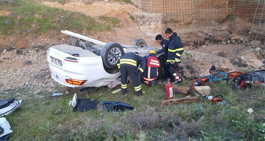 Otomobil köprüden uçtu: 1 ölü, 1 yaralı !