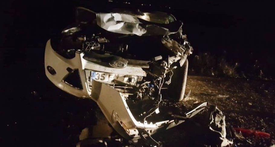 Otomobil, park halindeki araca çarptı: 1 ölü, 7 yaralı