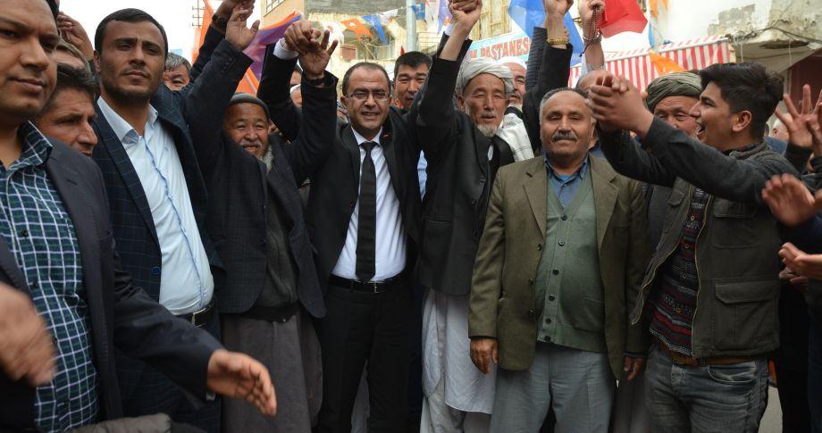 Özbekler'den AK  Parti'ye  Destek