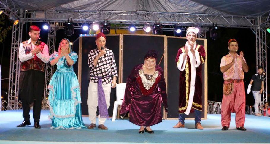 Özden Tiyatrosu Şanlıurfalılarla bir araya geldi