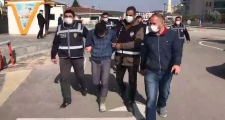 Plakasız araçla yol kesip yağma yapan 2 şahıs tutuklandı