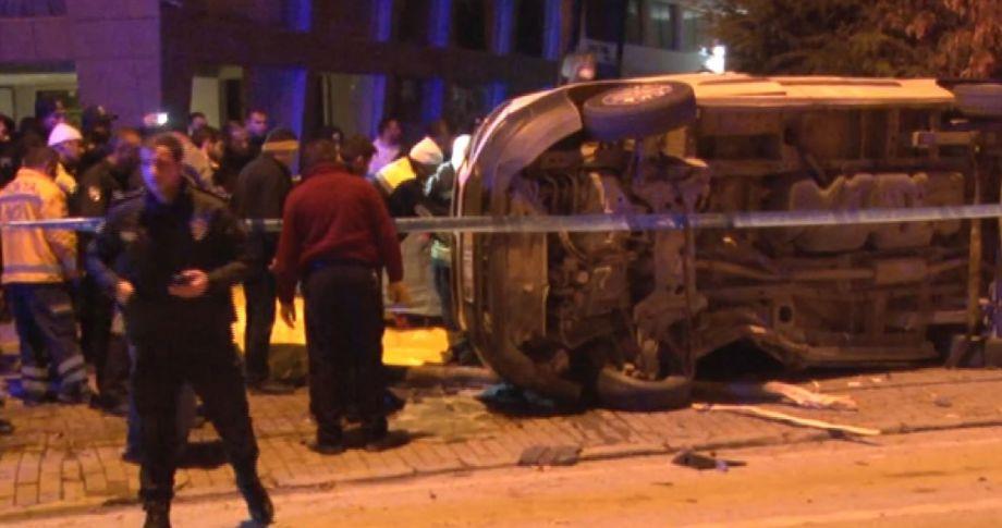 Polis aracı kaza yaptı: 1 şehit, 4 yaralı