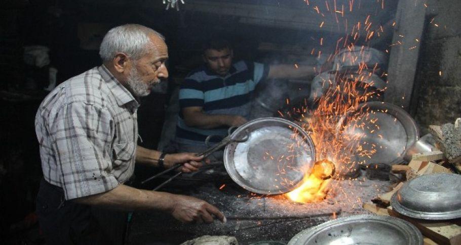 Ramazan'da 90 derecelik ateşin başında zorlu mesai