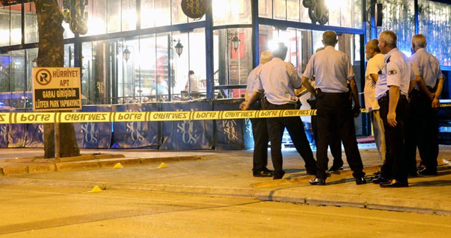 Restoranda çıkan silahlı çatışmada ölü ve yaralılar var