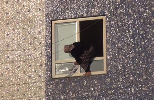 Şanlıurfa'da bir kadının tehlikeli temizliği