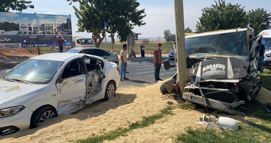 Şanlıurfa Göbeklitepe Kavşağında  kaza: 4 yaralı