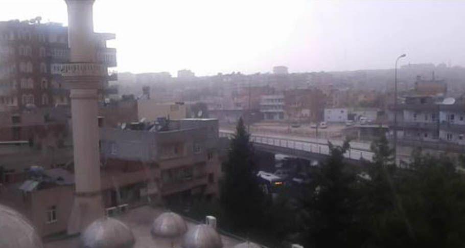 Şanlıurfa'da aniden bastıran yağmur vatandaşı hazırlıksız yakaladı