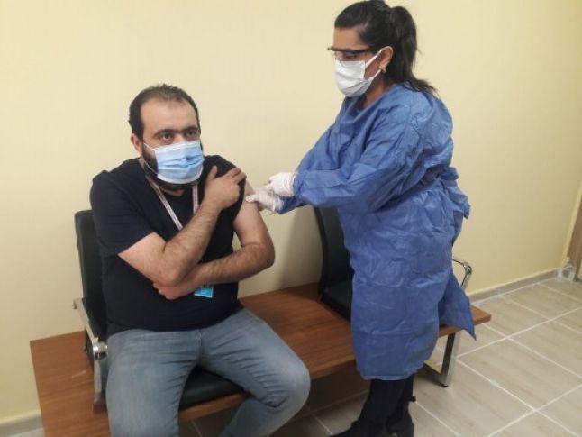 Şanlıurfa'da aşı uygulamaları başladı