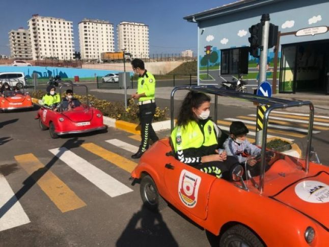 Şanlıurfa'da çocuklara trafik eğitimi veriliyor