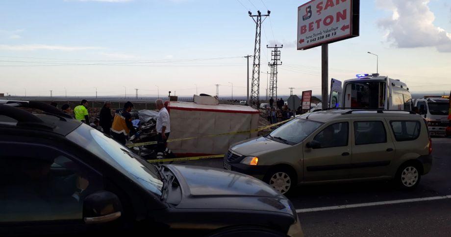 Şanlıurfa'da feci kaza: 2 ölü,3 yaralı