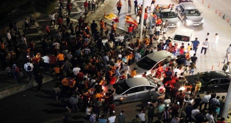 Şanlıurfa'da Galatasaraylı taraftarın şampiyonluk sevinci