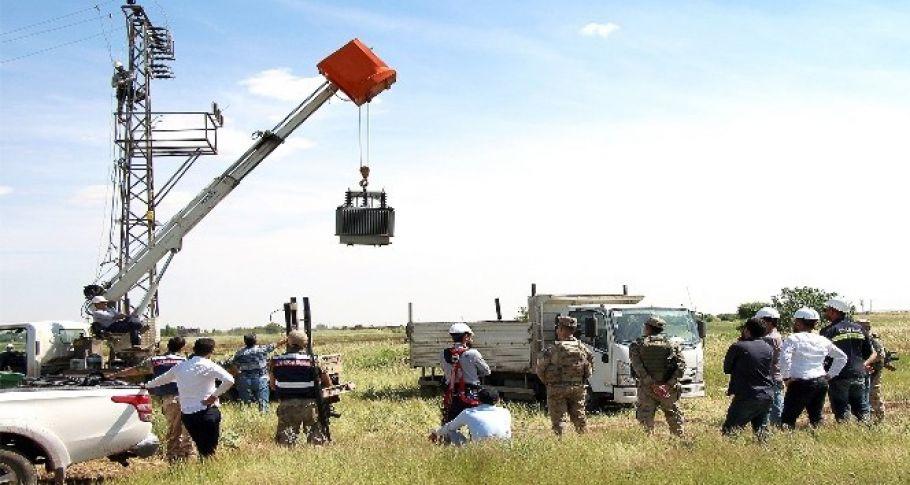 Şanlıurfa'da havadan tespit edilen kaçak elektrik trafoları toplanıyor