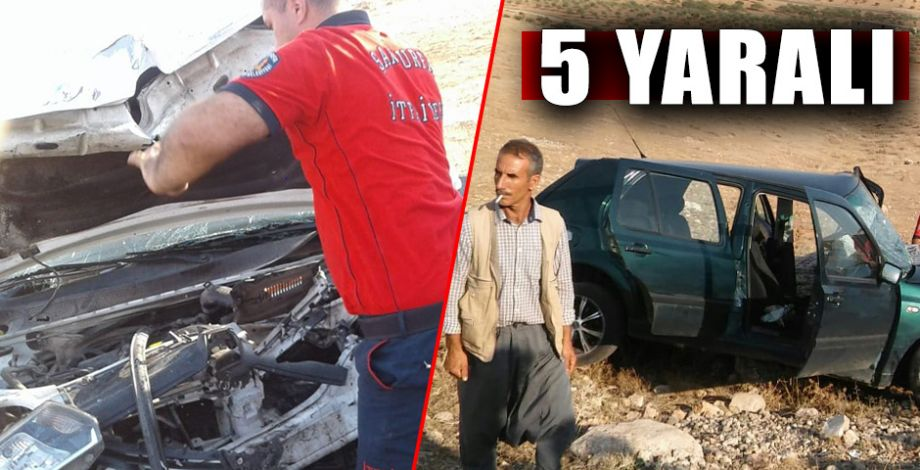 Şanlıurfa'da iki otomobil kafa kafaya çarpıştı