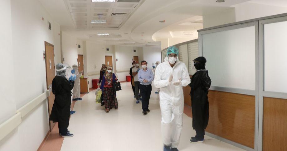 Şanlıurfa'da Koronavirüsü Yenen 5 Kişi Taburcu Oldu (videolu)