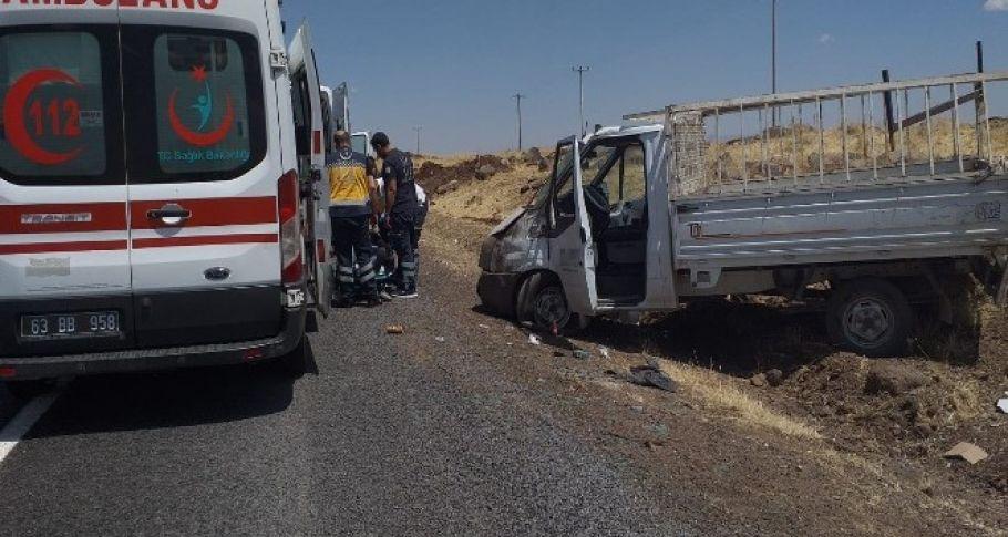 Şanlıurfa'da lastiği patlayan kamyonet Dehşet Saçtı