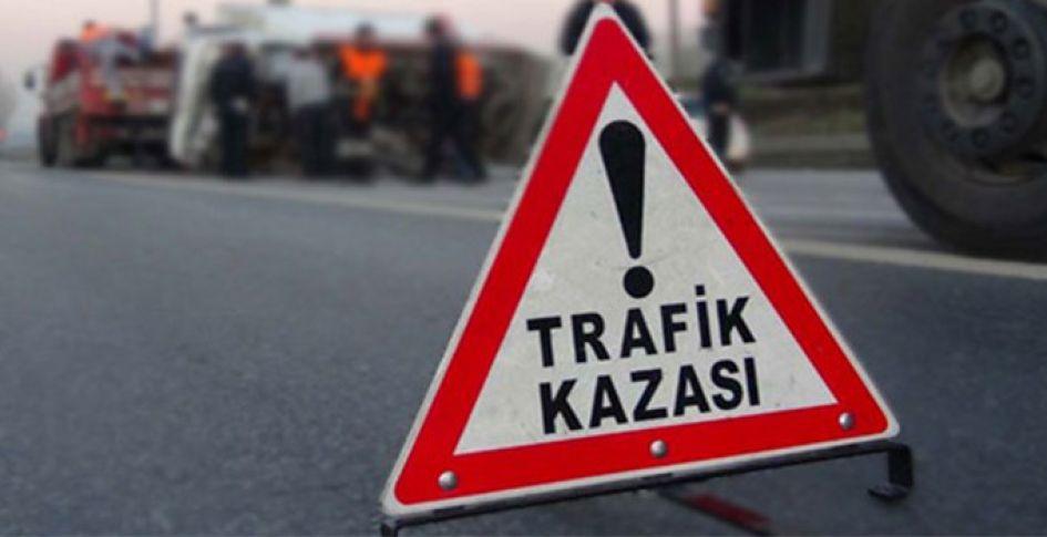 Şanlıurfa'da Otomobil kamyona çarptı: 1 ölü, 2 yaralı