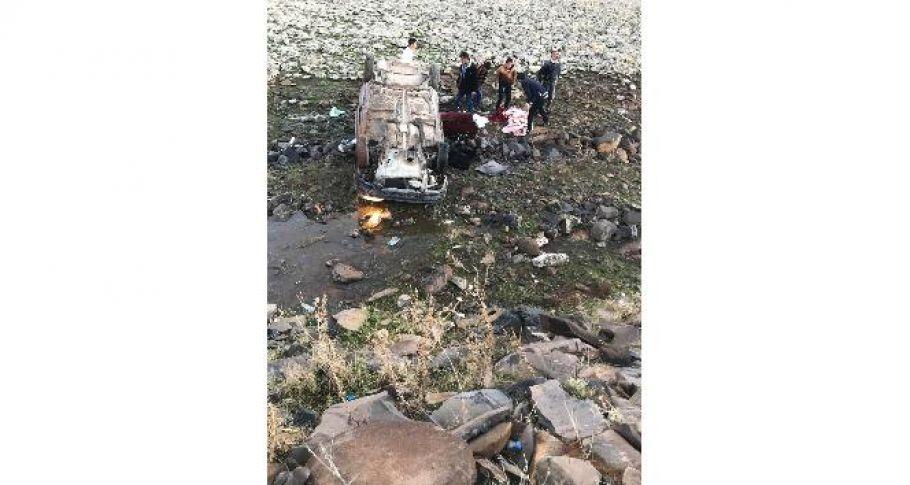 Şanlıurfa'da otomobil şarampole uçtu: 4 yaralı
