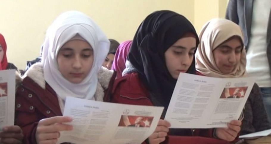 Şanlıurfa'da Suriyeli öğrencilerin karne heyecanı