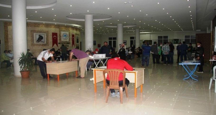 Şanlıurfa'da Vatandaşlar kan bağışı için sıraya girdi