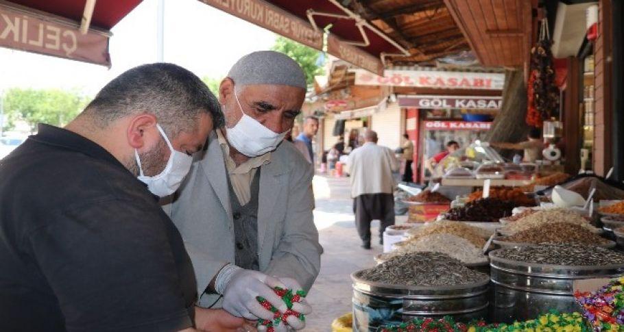 Şanlıurfa'da Yaşlıların kısıtlama arası telaşı