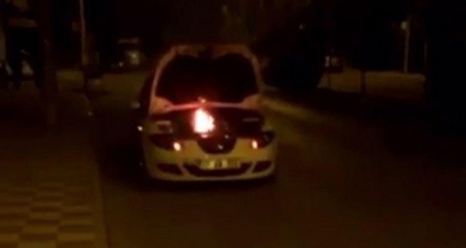 Seyir halindeki otomobil alev aldı!