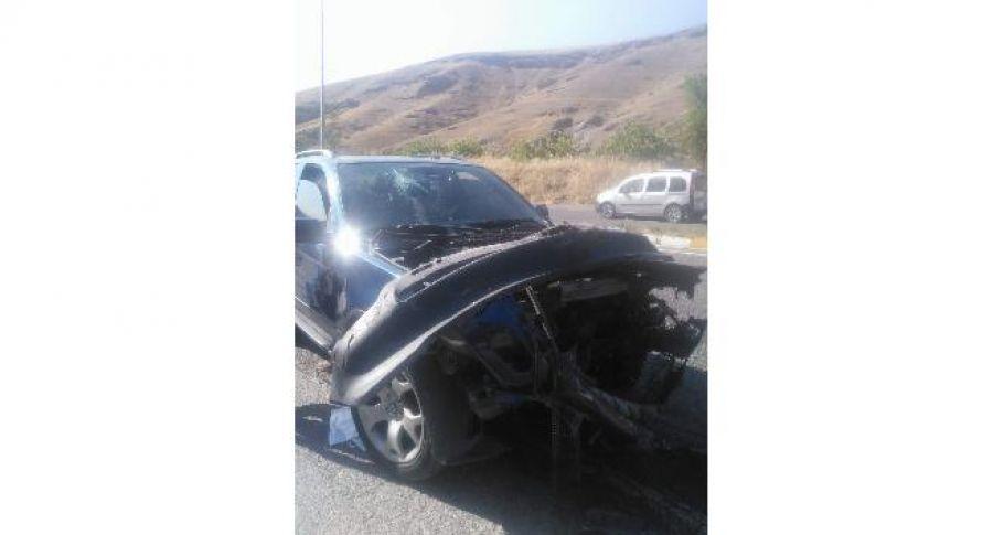 Siirt'te otomobil kamyonla çarpıştı: 1 yaralı