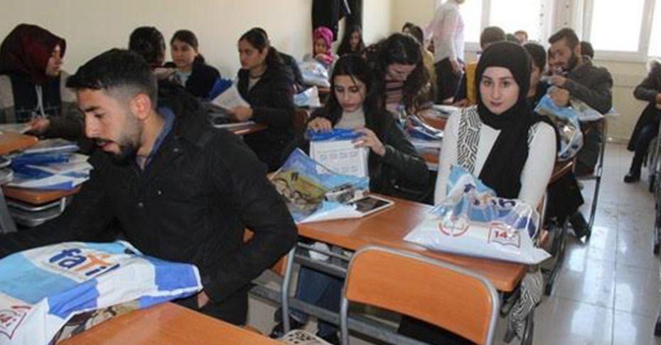 Siverek'te 400 öğrenciye kitap desteği