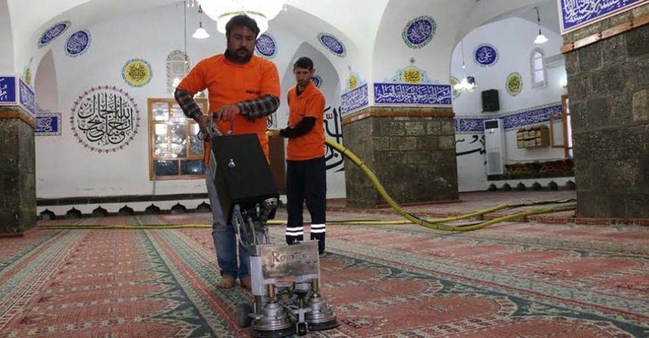 Siverek'te camilerde Ramazan Ayı hazırlıkları başladı