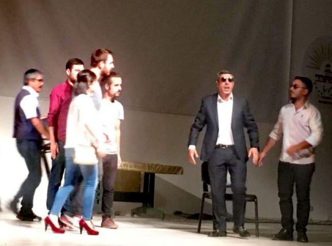 Siverek'te Kayıp Hayatlar Tiyatro gösterimi