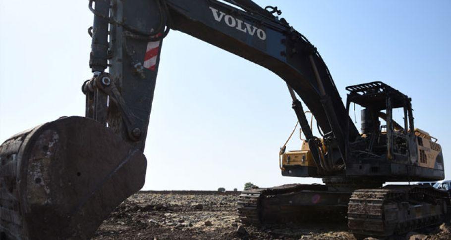 Şanlıurfa' da iş makinaları kundaklandı