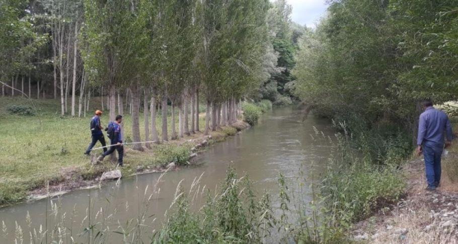 Su kanalı kenarında oynayan Melek'ten haber alınamıyor