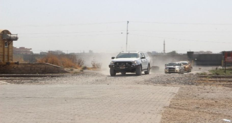 Suriye Milli Ordusu komutanları sınırda inceleme yapıyor.
