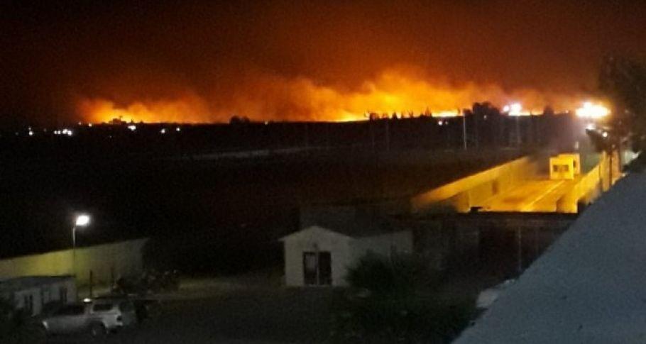 Suriye'nin sınır ilçesini alevler aydınlattı