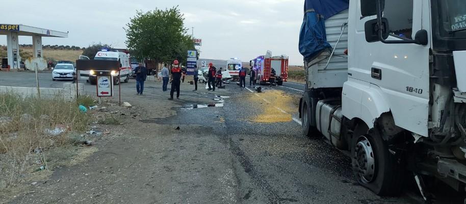 Suruç-Birecik Yolunda feci kaza: Ölü ve yaralılar var