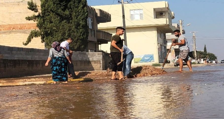 Suruç'ta taban suyu yükseldi, mahalleleri su bastı!