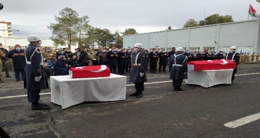 Suruç'taki patlamada ölen uzman çavuş ve oğlu törenle uğurlandı