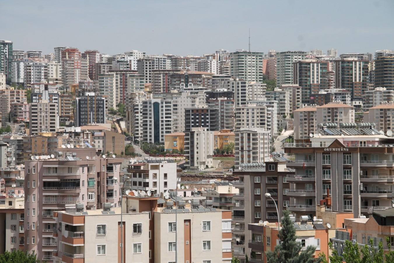 """ŞUTEM Başkanı Tokmak: """"Ev bulamayan öğretmenler ağlıyor"""""""