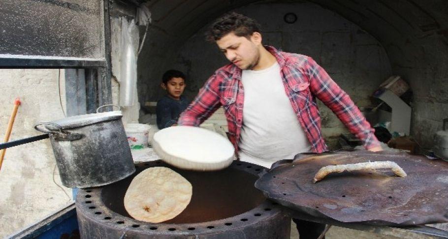 Tandır Ekmek Kültürünü Şanlıurfa'da da Devam Ettiriyor