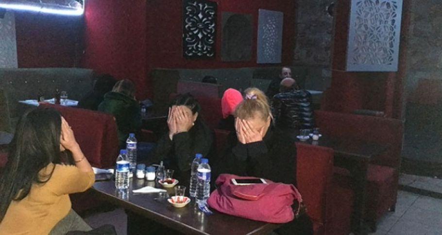 Tedbirlere uymayan gece kulübüne operasyon: 20 gözaltı