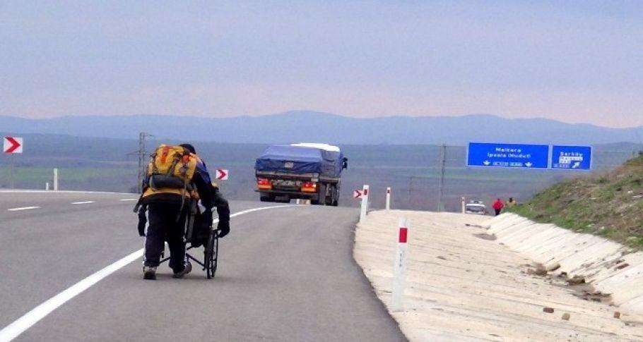 Tekerlekli sandalyeyle Tekirdağ'dan Çanakkale'ye yolculuk