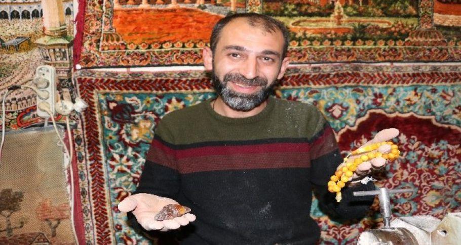 Tespih hastanesinde değerli taşlar ustasının elinde can buluyor