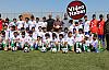 Büyükşehir'den suriyeli çocuklara spor malzemesi