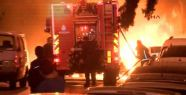 Fatih'te park halinde bulunan 6 araç kundaklandı