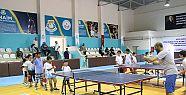 Haliliye'de masa tenisi kursuna çocuklardan...